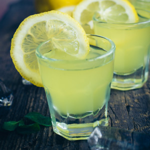 9 Cocktails Invented in Italy - Limoncello