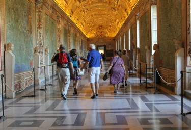 Vatican Early Entrance Small Group Tour