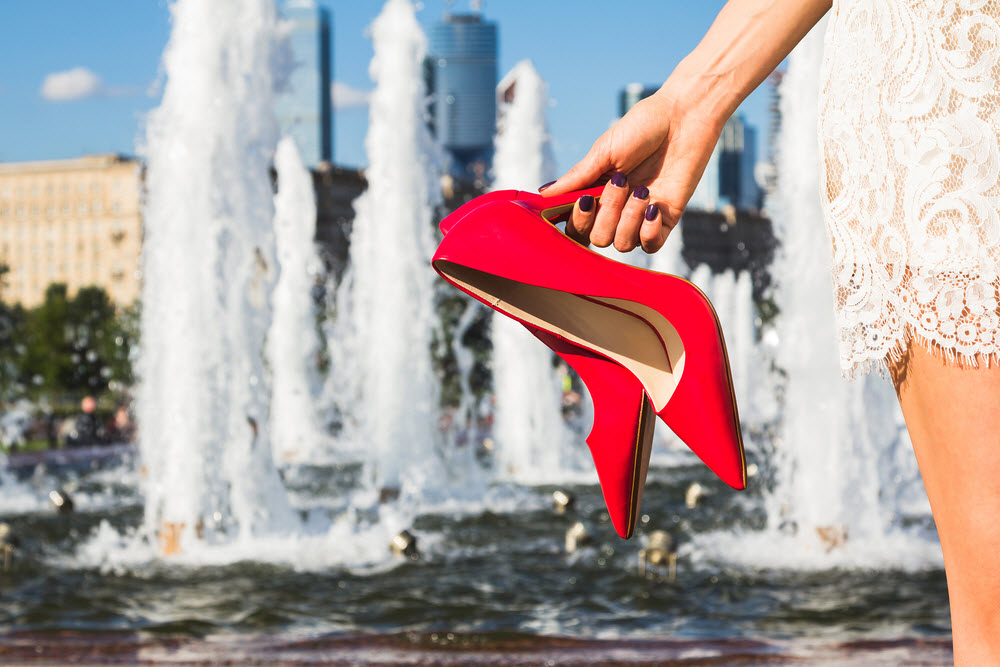 10 weird laws in Italy - no jumping in fountains