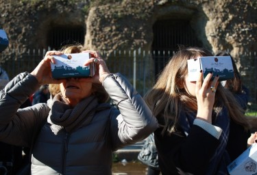 Colosseum and Ancient Rome Small Group Tour with Virtual Reality