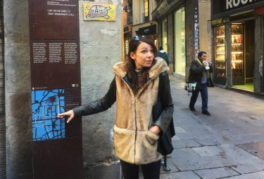 Private Gothic Quarter Barcelona Walking Tour with Churros