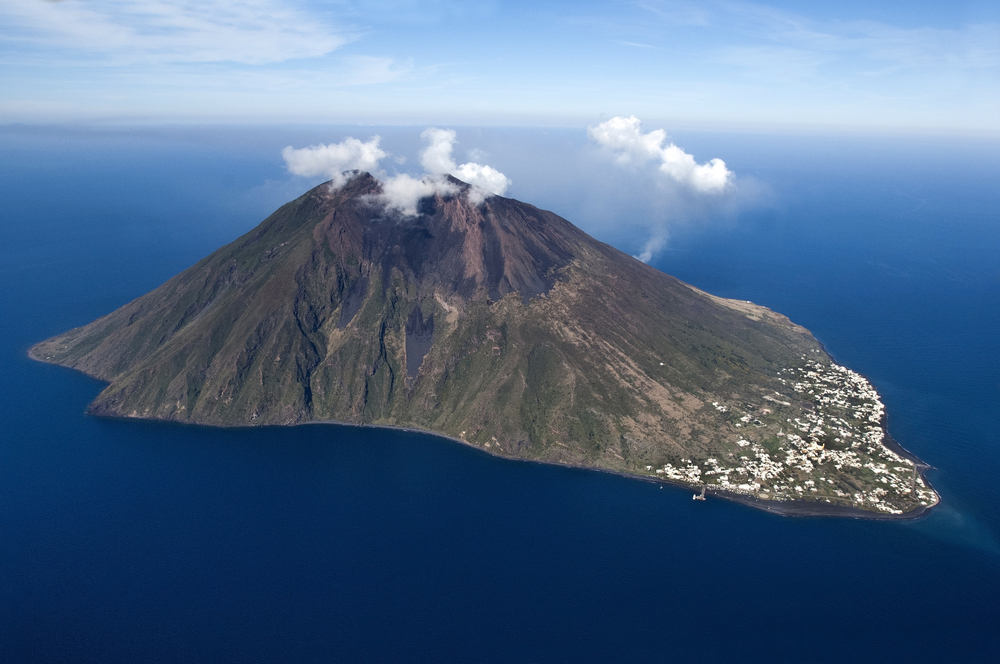 Active Volcanoes In Italy Livitaly Tours