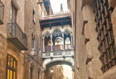 Gothic Quarter Walking Tour with Churros- Small Group Tour