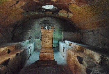 Catacombs and Underground Rome Small Group