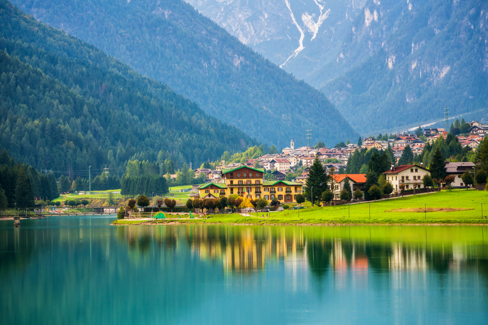 Lake of the Cadore - Dolites Attractions