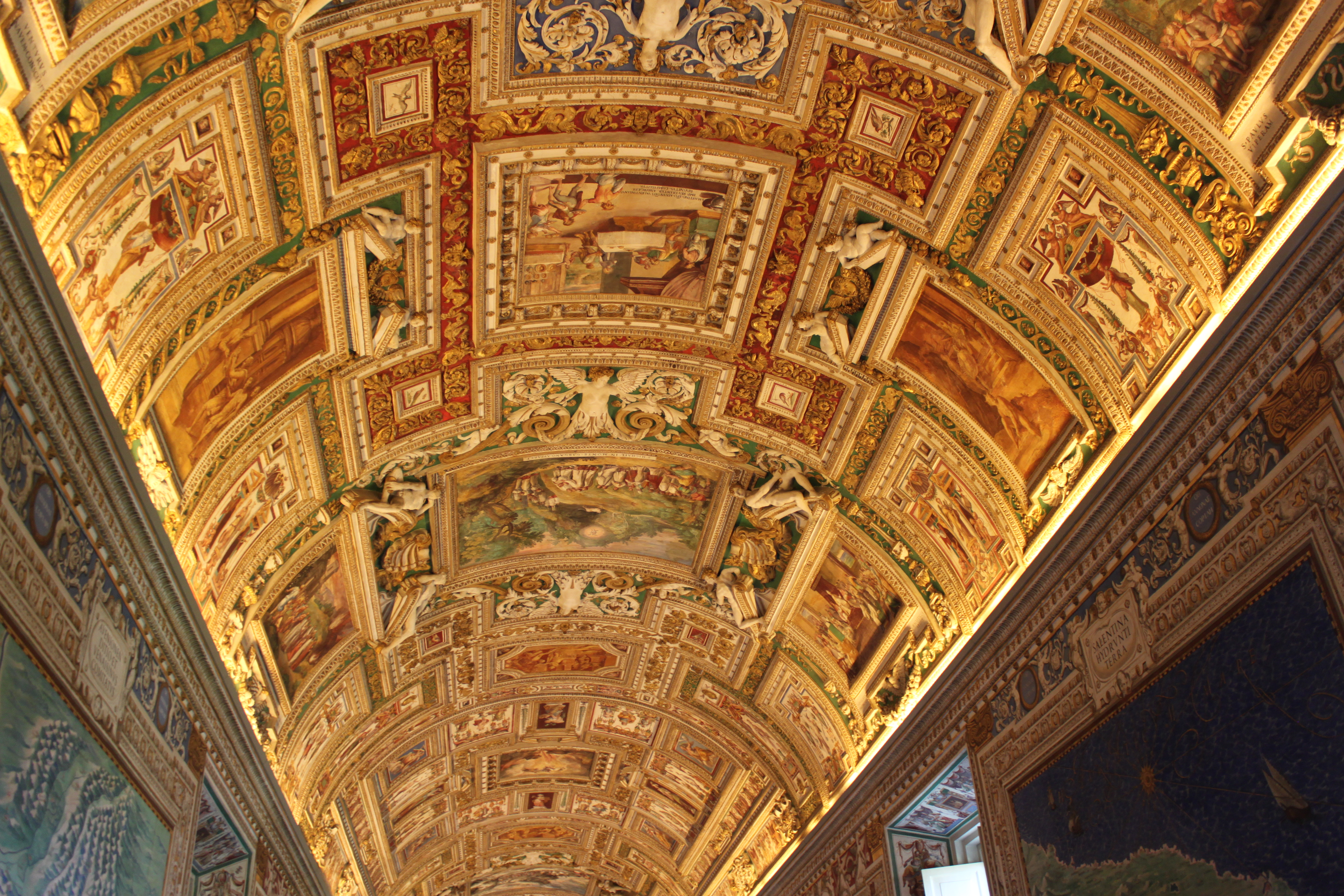 Best time to visit the Vatican Museums